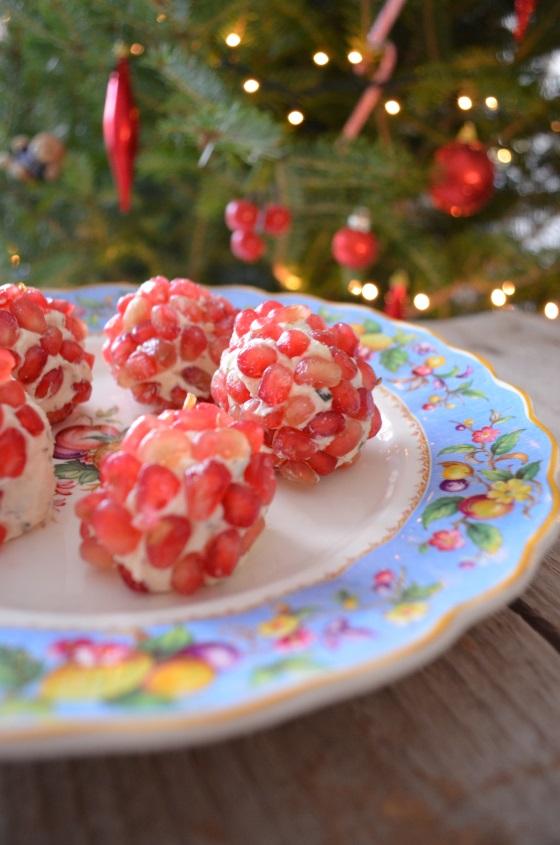 τρούφες τυρί ρόδι coolartisan Γαβριήλ Νικολαςΐδης Pomegranate-studded parmesan cheese truffles