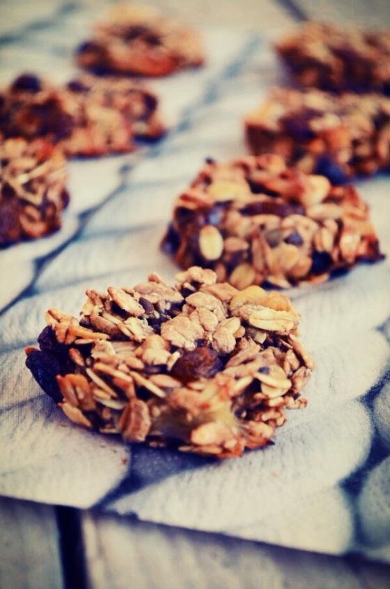 2-Ingredient Healthy Cookies Recipe, oat, banana cookies, muesli mix, easy, simple, fast, συνταγή, μπισκότα, μπανάνα, μούσλι, γρήγορη, απλή, εύκολη