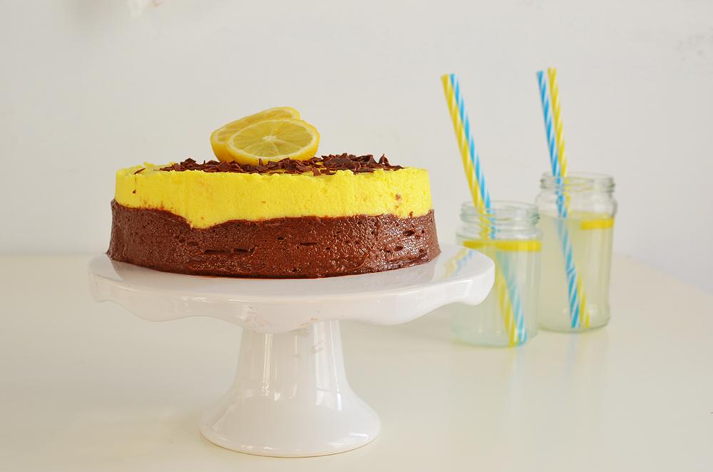 ... και lemon curd- Chocolate and Lemon Curd Mousse Cake Recipe