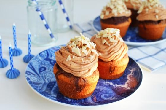 Marble Cupcakes and Fluffy Peanut Butter Frosting Recipe, butter, sugar, cream, chocolate, καπκεικς, συνταγή, μαρμπλ, φυστικοβούτυρο, γλάσο, σοκολάτα, βανίλια, απλή, γρηγορη