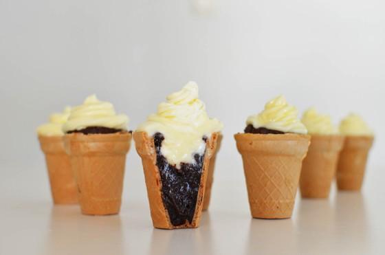 Brownies Cupcakes (looking like ice cream) Recipe, cream cheese frosting, συνταγή, μπράουνις, σοκολάτα, κρέμα τυρί, cucpcakes, παγωτό, Γαβριήλ Νικολαΐδης, cool artisan
